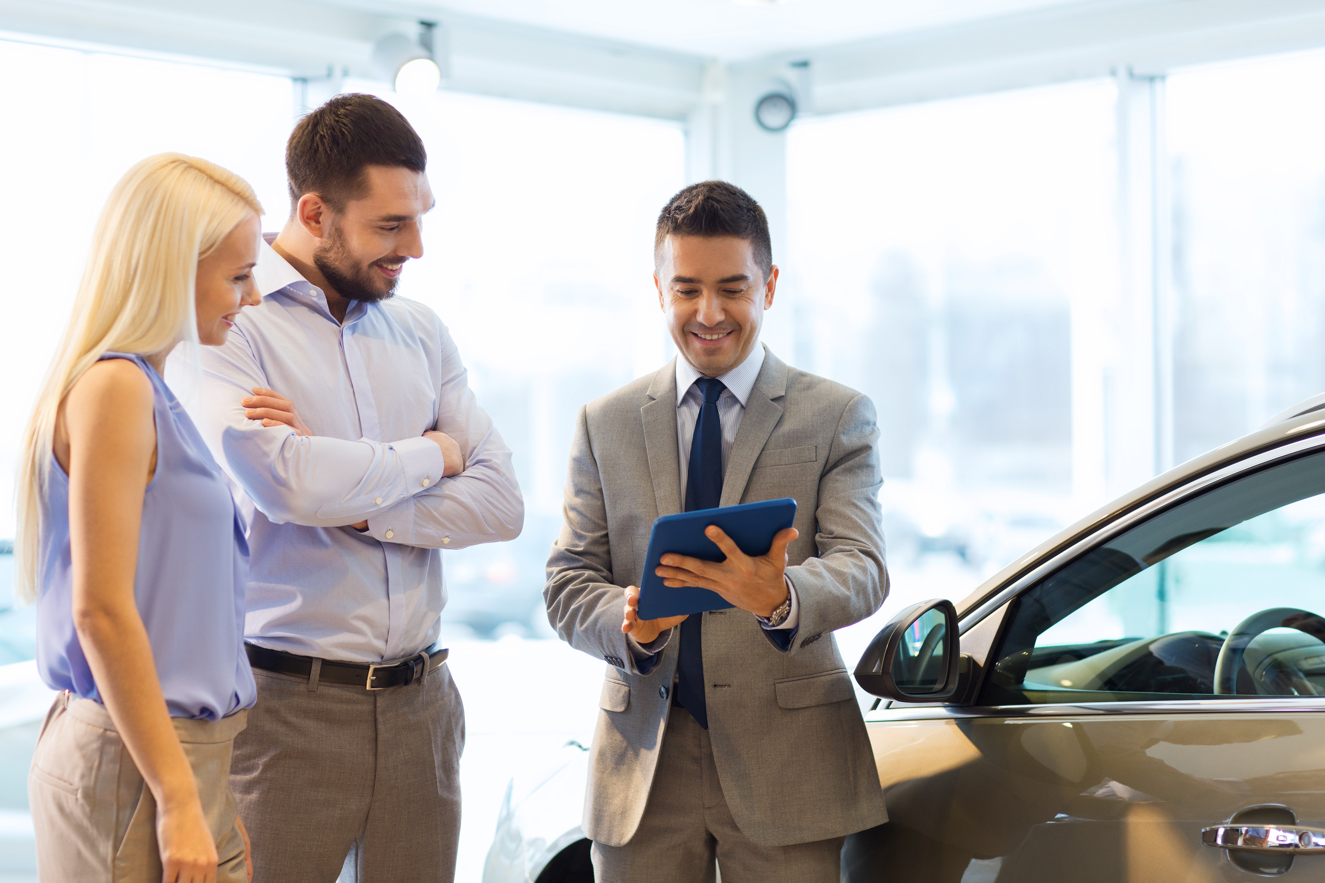 Is It Better To Lease Or Buy A Car? | RoadLoans