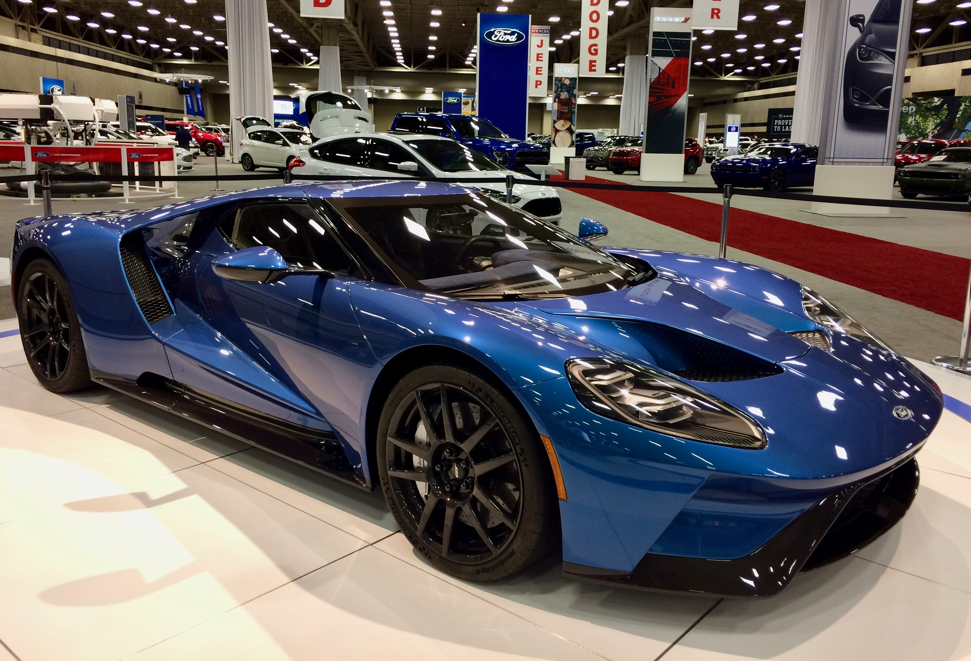 Dallas Auto Show >> 5 Must See Cars At The Dfw Auto Show Roadloans
